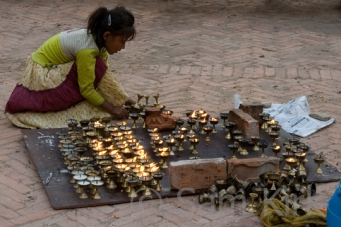 Tealight Girl, Nepal